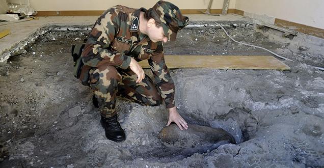 Bombát találtak a lakás padlózatában
